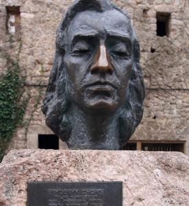 Памятник Фредерику Шопену. TOLO RAMON